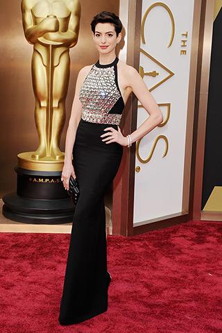 Anne Hathaway veste Gucci